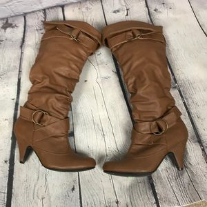 Charlotte Russe Shoes - Charlotte Russe Brown boots 👢
